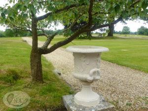 8.エムブリーの庭-1