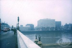 23.1976年当時のナイチンゲール看護学校(左端の建物)